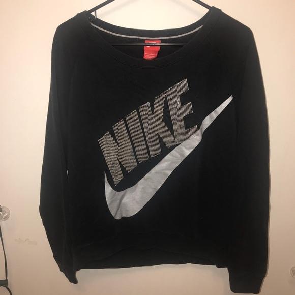 4ed507b1b9e7 Women s NIKE Sequin Sweatshirt. M 5a9c08493800c573524f45ed
